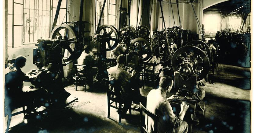 Lo stabilimento Olivetti di Ivrea nel 1920 (Courtesy of Associazione Archivio Storico Olivetti)
