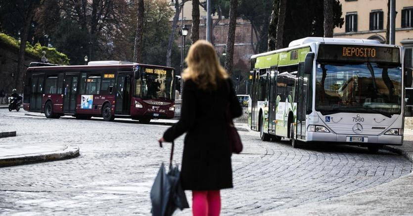Sciopero: caos nelle cittàfermi treni, aerei, taxie trasporto pubblico locale