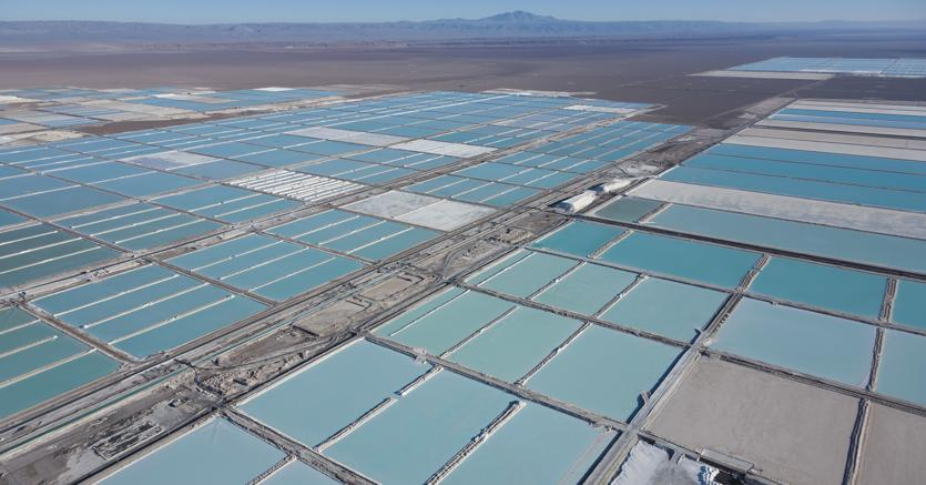 Cile, il più grande giacimento di litio del mondo (Afp)