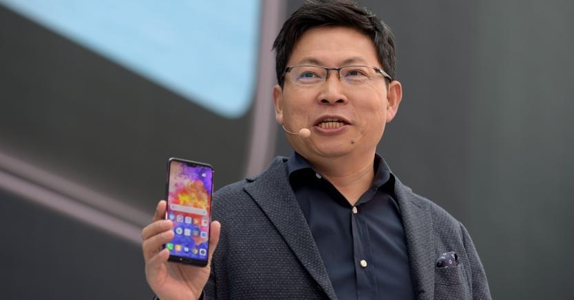 Schemi Elettrici Huawei : Huawei parla il ceo richard yu: «diventeremo numero uno anche senza