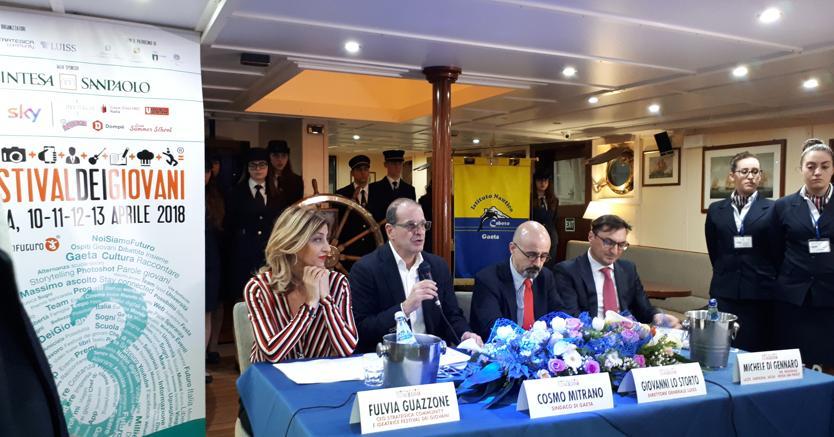 Da sinistra, Fulvia Guazzone (Strategica community), Cosmo Mitrano (sindaco di Gaeta), Giovanni Lo Storto (direttore Luiss) e Michele Di Gennaro (Intesa Sanpaolo)