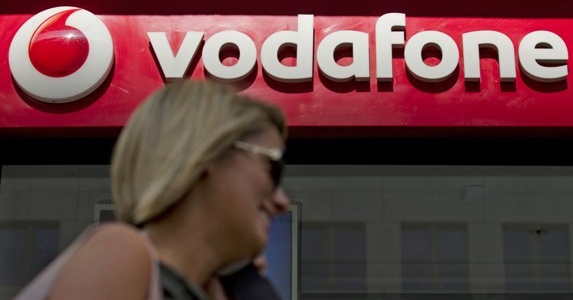 Stop a sms e chiamate promozionali: l'ultimatum del Garante a Vodafone