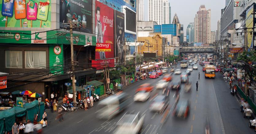Thanon Phetchaburi road, Bangkok. (Agf)