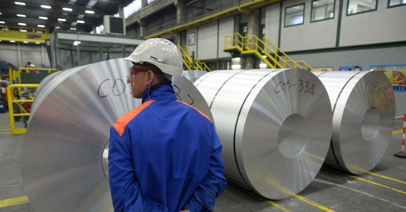 Alluminio  oltre 2.400 dollari e allumina al record storico, il mercato ora teme  carenze