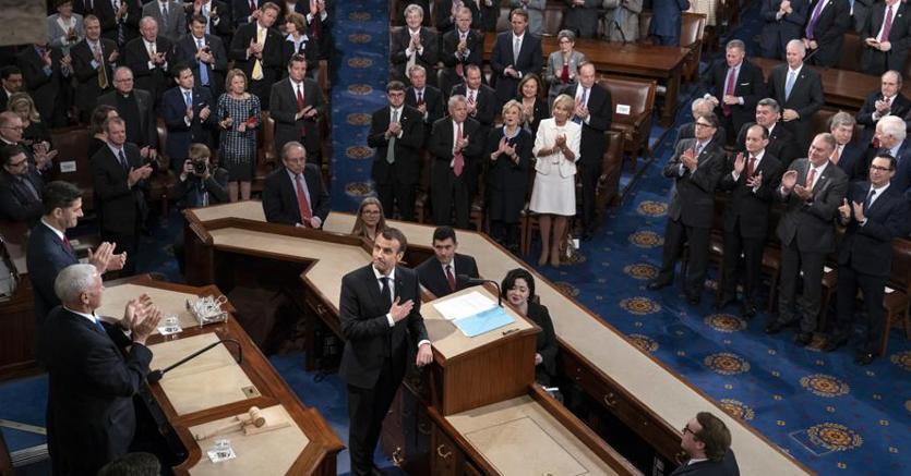 Standing ovation per Emanuel Macron al Congresso Usa (Ap)