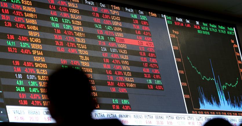 Borsa italiana verso il recupero, spread giù a 222
