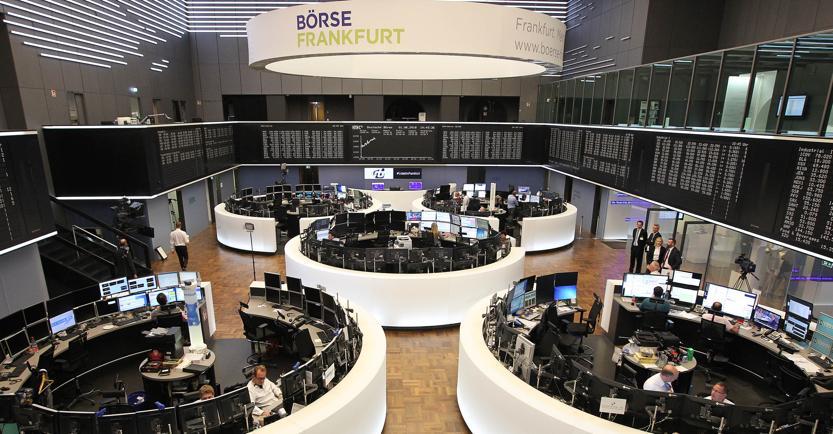 Borsa, lo spread torna a salire: partenza lanciata per piazza Affari