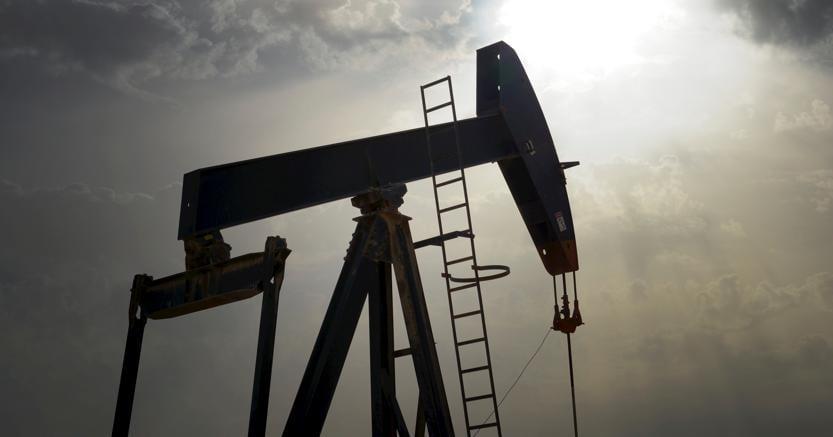 Petrolio più Basso Prima del Meeting OPEC