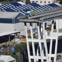 Il ponte Morandi crollato (Ansa)