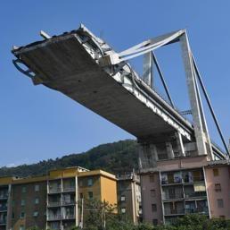 """Il decreto Genova con le misure """"urgenti"""" è arrivato a oltre un mese e mezzo dal crollo del ponte Morandi - ANSA/LUCA ZENNARO"""