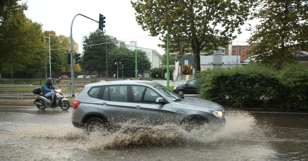 Nord Italia travolto dal maltempo: nubifragio a Milano