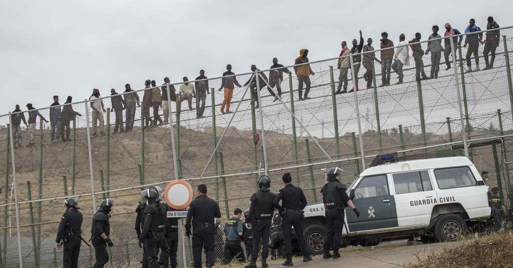 Il muro di Melilla, dove è vietato dare da mangiare agli affamati