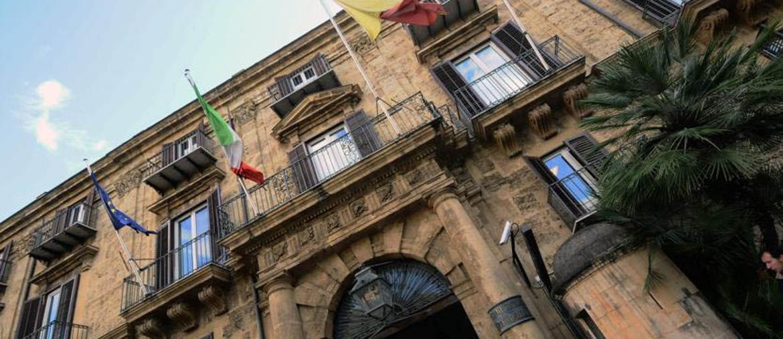 Il parlamento siciliano costa ogni anno 146 milioni il for Camera dei deputati web tv