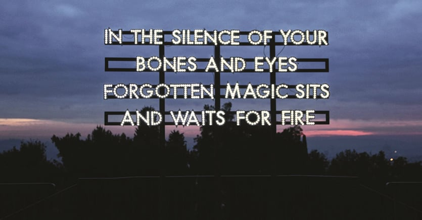 Robert Montgomery. In the silence of your bones (2013) LED, struttura in legno verniciata