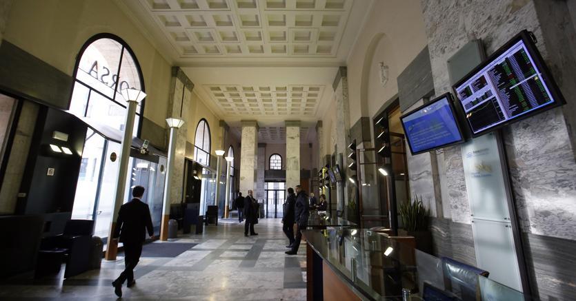 Piazza Affari chiude poco mossa (-0,16%), forti scambi su Mps e Mediaset