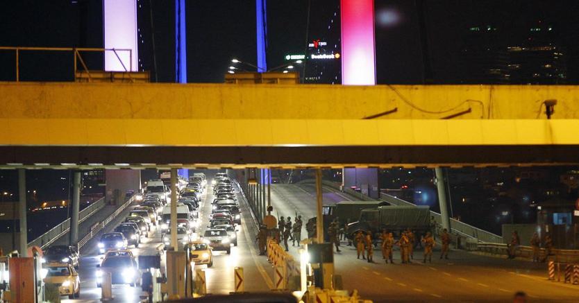 Turchia, tentativo di golpe fallito: 200 morti e la reazione di Erdogan