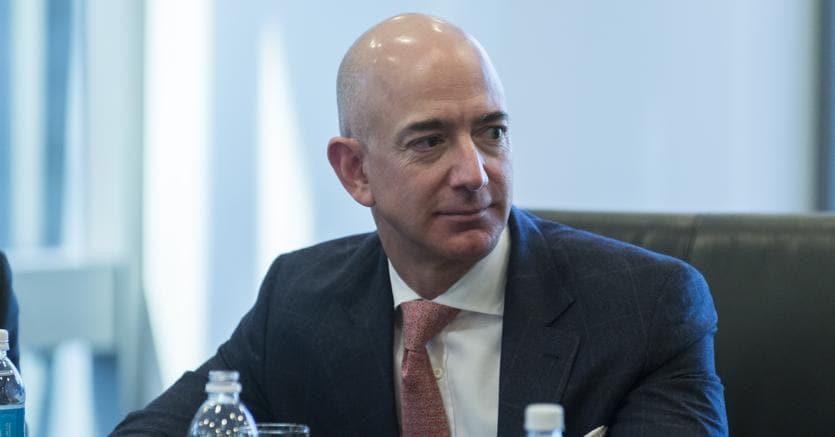 Jeff Bezos sorpassa Bill Gates
