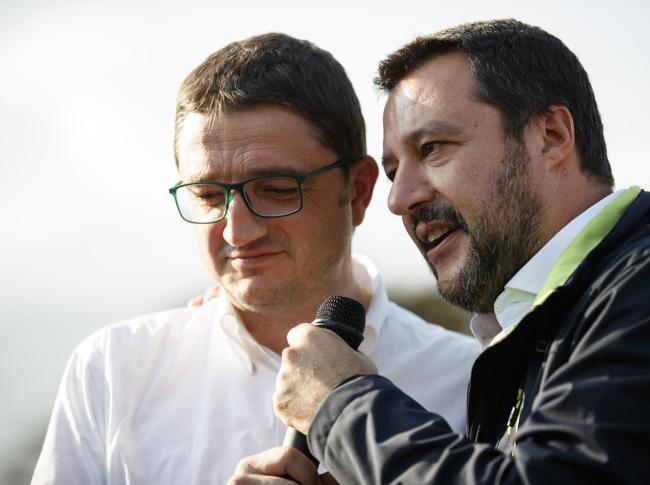 Matteo Salvini con il neo governatore del Trentino Alto Adige, Maurizio Fugatti (ANSA)