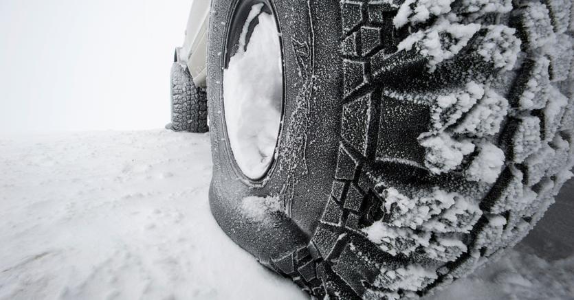 Dal 15 novembre torna l'obbligo di pneumatici invernali o catene a bordo