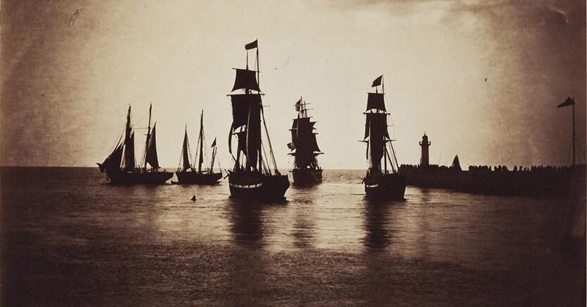 Gustave Le Gray, Bateaux quittant le port du Havre (navires de la flotte de Napoleon III), 1856-1857, stima 300.000-500.000 $, venduta per 965.000 $, Courtesy Christie's Ltd