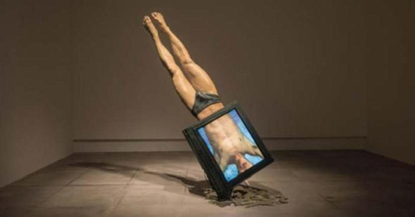 Yuan Goang-Ming, ʻOut of Position', 1987, Single-channel video, color, mute, CRT monitor, sculpture, 0:5:25.Courtesy the artist and Chi-Wen Gallery.
