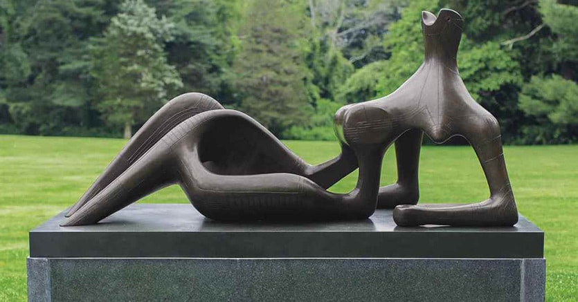 Henry Moore,  maestosa figura reclinata, in bronzo, 1951