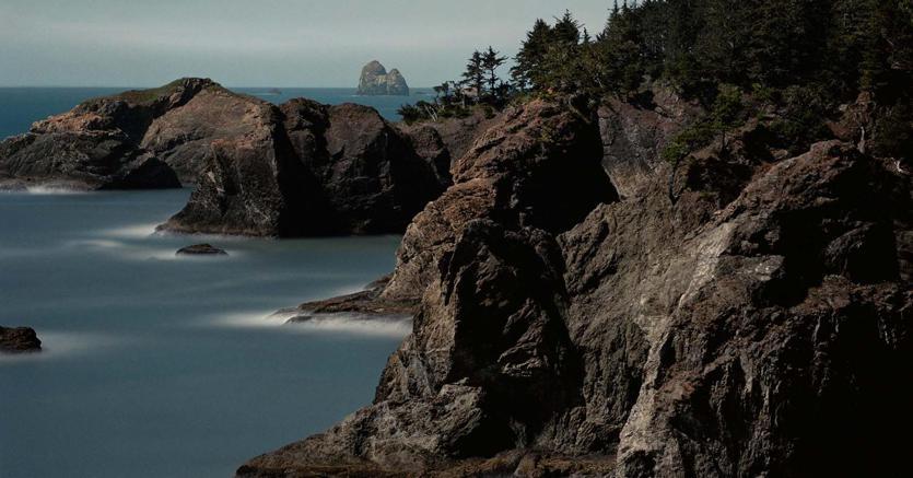 Darren Almond, Fullmoon@Oregon Cove, 2009, c print, 127,5 cm x 127,5 cm con cornice, ed. di 5 (2AP) (courtesy Galleria Alfonso Artiaco, Napoli)