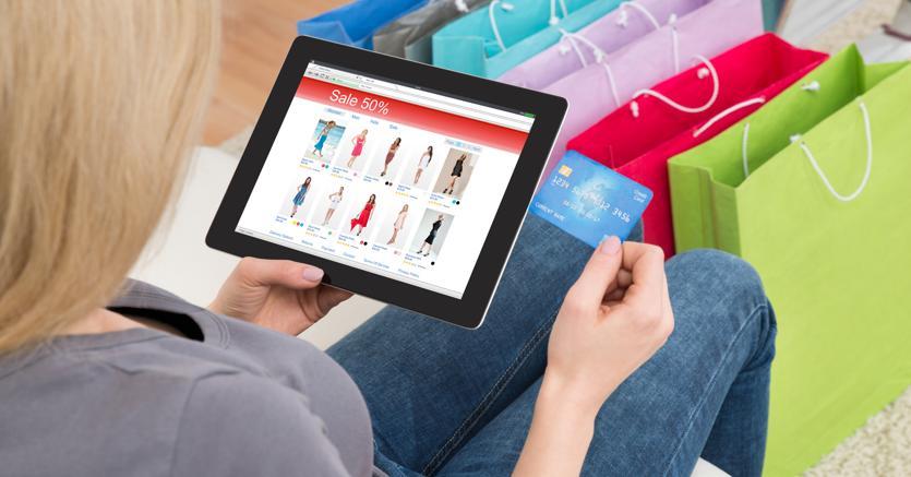 ff238605aee3 (Fotolia) (Fotolia). L e-commerce di moda ...
