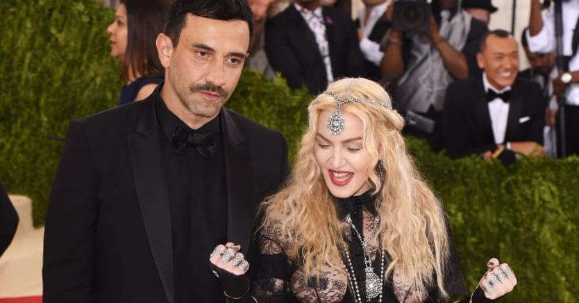 Moda: Tisci lascia Givenchy, voci su approdo a Versace