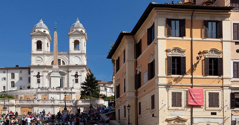 La palazzina in piazza di Spagna, a Roma, dove The Landmark amministra un appartamento. Al piano sotto abitò e morì nel 1821 il poeta inglese John Keats, la cui casa è ora un museo aperto al pubblico