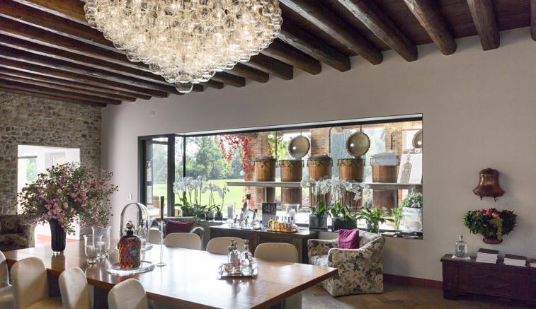 Borgo Nonino, soggiorno di design al profumo di grappa intorno al ...
