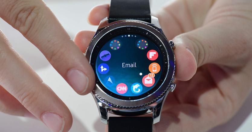 gear s3 samsung rilancia lo smartwatch ora apre le porte