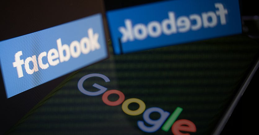 Google e Facebook:connettono Los Angeles e Hong Kong via Internet