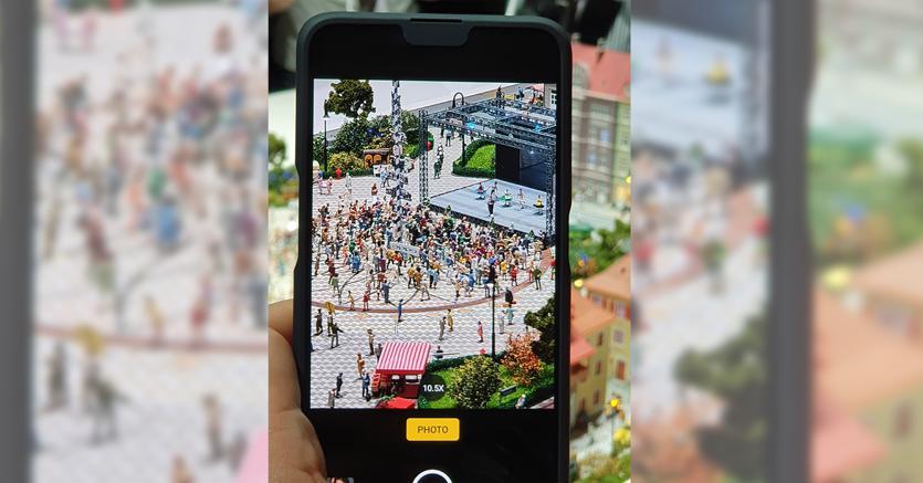 Oppo annuncia smartphone 5G e fotocamera con zoom 10X