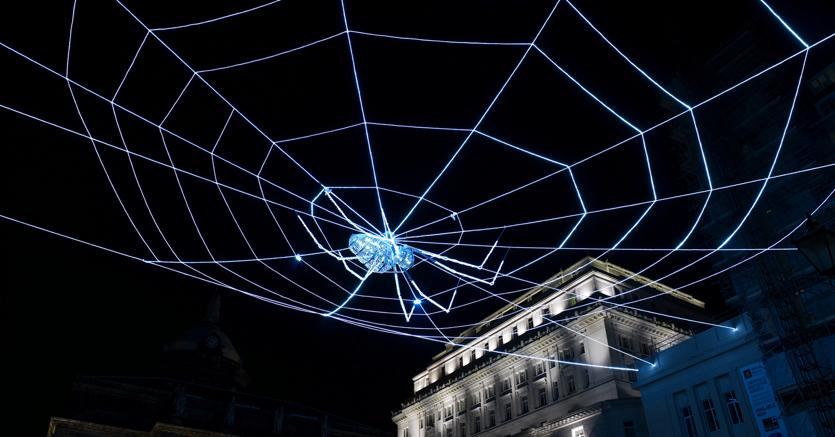 Ai Weiwei Web of Light, 2008 - Installazione, Exchange Flags Liverpool Biennial 2008 Photo Adatabase