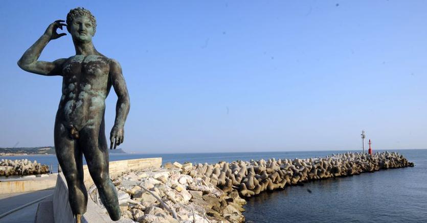 """""""Passeggiata del Lisippo"""" che la città di Fano ha dedicato alla statua"""