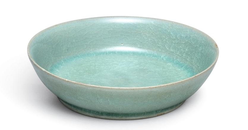 Ceramica Ru guanyao realizzata 900 anni battuta da Sotheby's a Hong Kong il 3 ottobre per 37,7 milioni di dollari