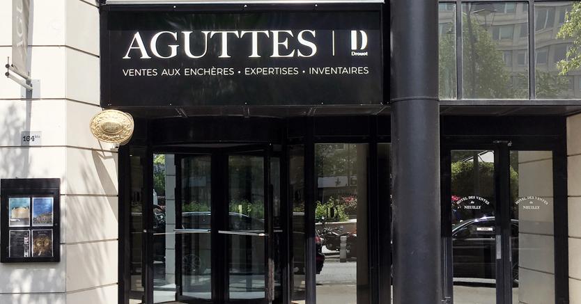 Aguttes facciata della sede a Neuilly-sur-Seine