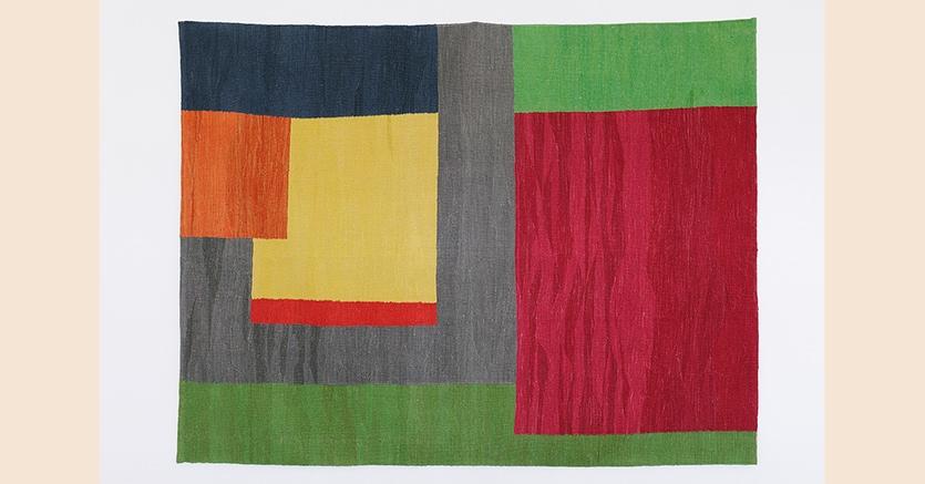 «Tapestry: Untitled»,2013 di Etel Adnan, wool, nella mostra «Home Beirut Sounding the Neighbors» al Maxxi di Roma con 36 artisti libanesi, fino al 20 maggio