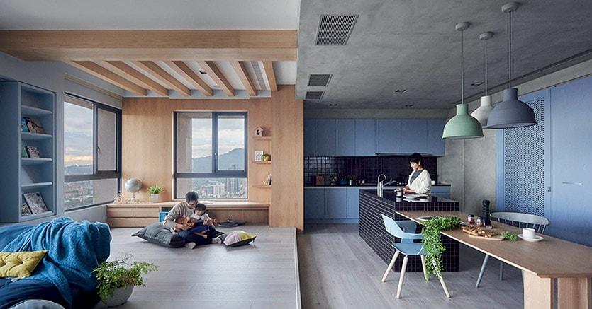 Spazi accoglienti. Il megatrend della Cosy Home è ben rappresentato da questo appartamento progettato da HAO Design a Kaohsiung City (Taiwan), con spazi aperti ma ben definiti, a misura di famiglia (HEY! CHEESE)