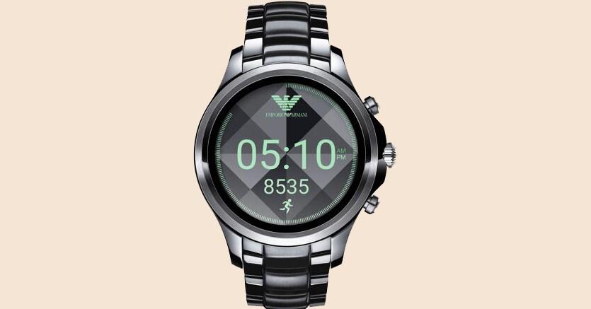 Svolta hi-tech. L'ultimo nato degli orologi connessi Emporio Armani permette una visualizzazione più nitida dei dati. Sarà in vendita da metà settembre