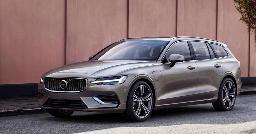 Volvo torna a proporre una wagon, un classico del costruttore svedese di proprietà cinese di Geely. La nuova V60 sarà in vendita a settembre