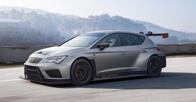 La e-Racer, vettura da gara completamente elettrica che garaggerà nel campionato Turismo Tcs 2018