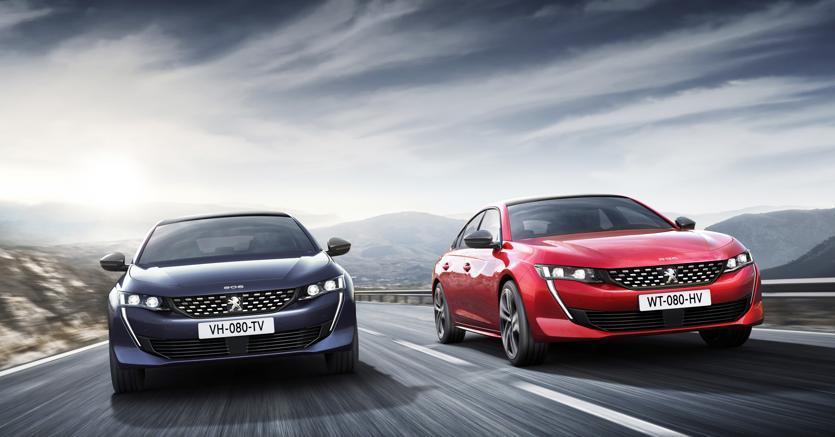 Peugeot 508. Per rinnovare  la sua ammiraglia,  Peugeot ha scelto un cambio di passo nello stile passando dalla classica carrozzeria a tre volumi alla più moderna soluzione della berlina coupé