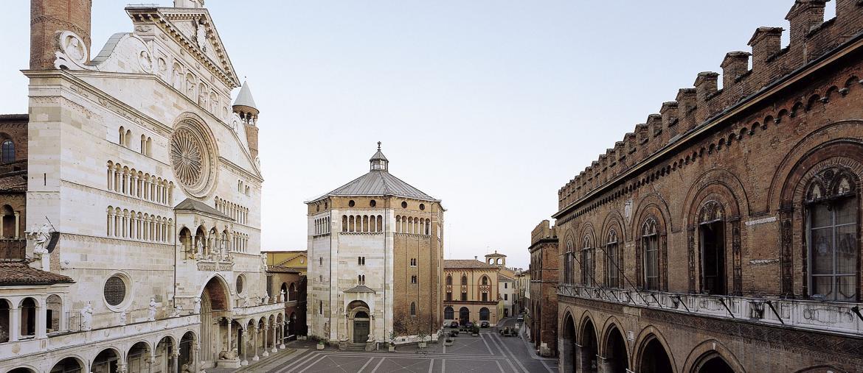 Piazza del Comune (fonte: Archivio fotografico Ufficio IAT Comune diCremona)