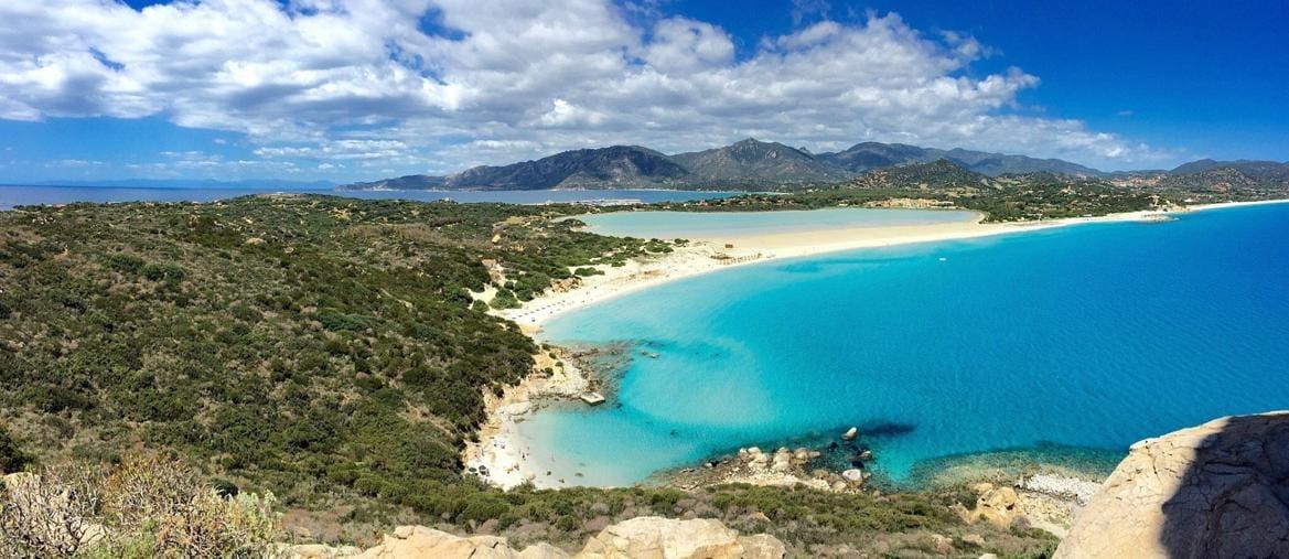 Le spiagge pi belle d 39 italia sicilia e sardegna al top for Isola che da il nome a un golfo della sardegna