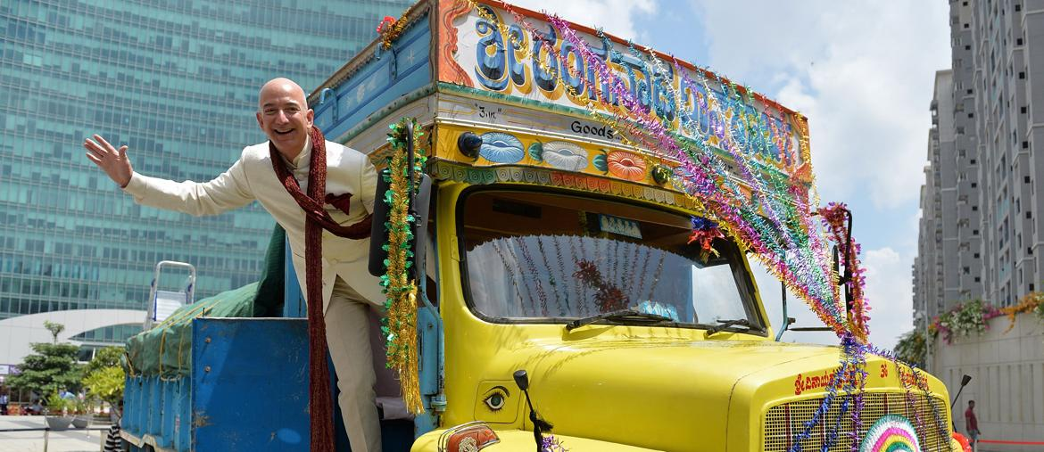 Jeff Bezos in India - Afp