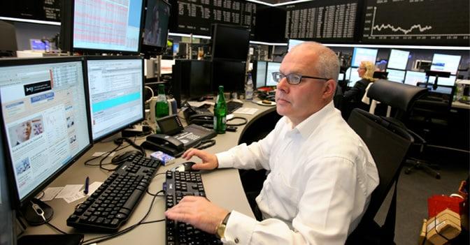 Wall Street si dimentica dei record: è in rosso. A Milano -1,2%