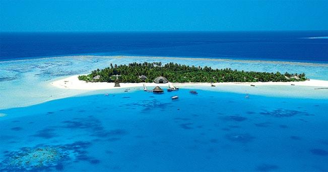 Una veduta aerea dell'isola di Velavaru (Maldive)