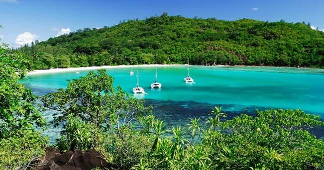 Uno scorcio del Port Launay Marine National Park, nella parte nord ovest di Mahé (foto Raymond Sahuquet - Seychelles Tourism Board)